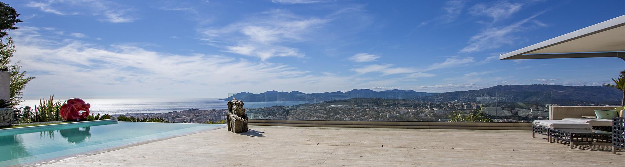 CANNES - 06400 PROCHE CANNES - Id�alement situ�e sur les hauteurs de Cannes dans un s...